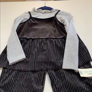 OshKosh B'gosh Matching Sets - Matching outfit.